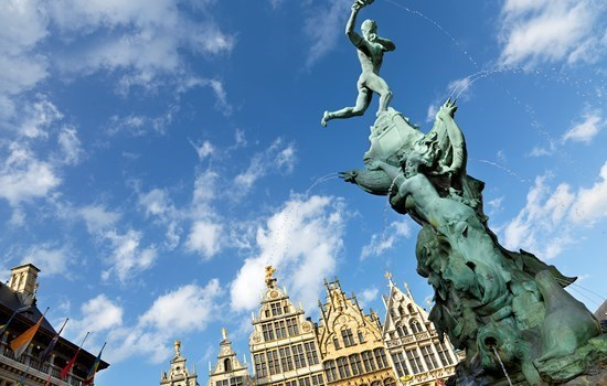 Statue of Brabo, throwing the hand of the giant Antigoon, on the Grote Markt, Antwerp